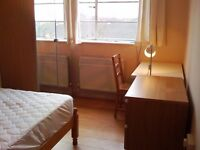 Bright Double Room in flat share on Portsmouth Road Surbiton