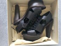 Burberry Black Size 6 heels - BRAND NEW