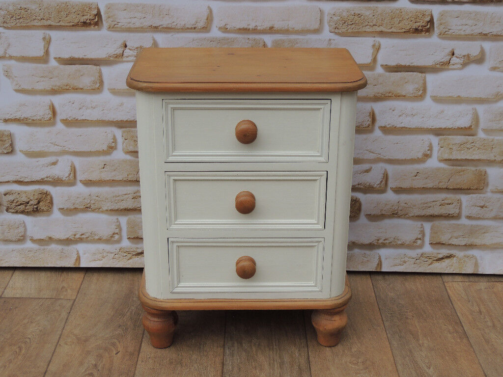 White chunky bedside cabinet (Delivery)