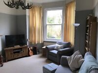 Double furnished room to rent in flatshare. Newly renovated, very cosy home.