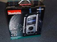 Makita DMR109 radio (Brand new)