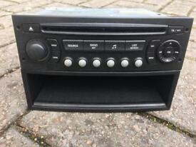 Head unit and tray for Peugeot 307