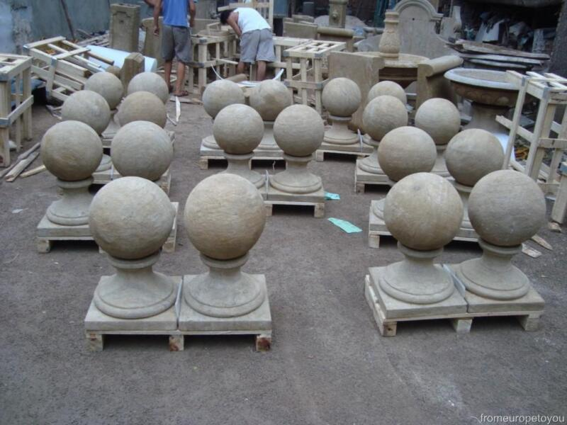 GREAT ANTIQUE STONE COLOR EUROPEAN STYLE DRIVEWAY BALL CAPS - ST24