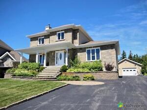 539 000$ - Maison 2 étages à vendre à Jonquière