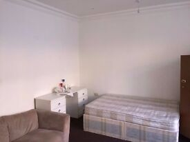 Double & Single Rooms is availbale in Upton Park in a very quite environment Including all bills