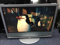 """Sony 32"""" HD lcd tv with built in freeview"""