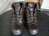 Hiking Boots size 8 from Scarpa
