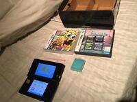 Black Nintendo 3ds boxed - Charger - 6 games