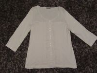 PER UNA T-SHIRT TOP CREAM 3/4 LENGTH SLEEVES FRILLED FRONT DETAIL SIZE 18