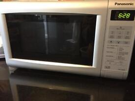 Panasonic 700w microwave in silver