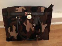 MK large travel handbag used in good condition