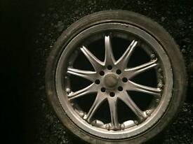 Excellent condition 17 inch alloy wheels