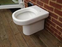 Free toilet (white, back to wall pan)