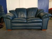 DARK BLUE LEATHER 2 SEATER SOFA / SETTEE / COUCH / SUITE ON WOODEN FEETS DELIVERY AVAILABLE