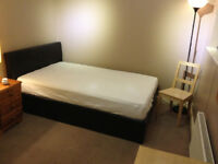 **Town House Hulme** Large Double Room Available to Professional Gay Male 30+