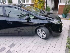 Toyota Prius fully loaded Leather seats