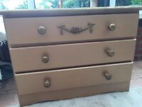 Chest of drawers - gold colour