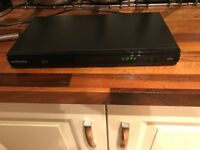 Samsung 3D Blu-ray player. Excellent condition (no remote control) £20 NO OFFERS. CAN DELIVER