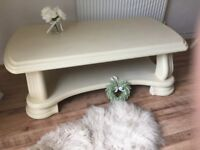 ** STUNNING COFFEE TABLE - BEAUTIFULLY RESTORED IN SHABBY CHIC STYLE **