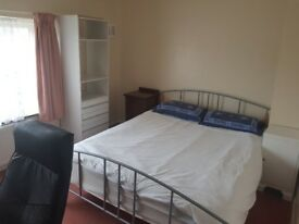 Double room in shared house in Marston, Oxford
