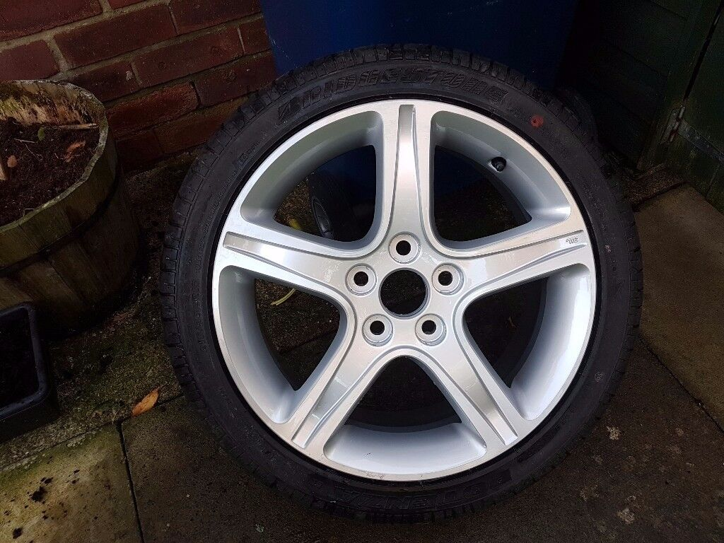 Lexus is200 brand new alloy wheel and tyre
