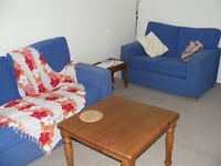 West End (Kelvinbridge) Professional to share flat with private parking. £420 pcm incl' Council Tax