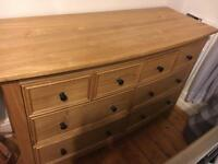 SET: Solid oak chest of drawers and wardrobe
