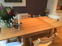 Extendable dining table for sale, seats eight people, good condition - Crouch End, N8
