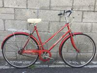 Halfords Freewheeler Commuter traditional ladies town bicycle