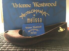 Vivienne Westwood Melissa shoe with box