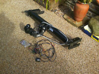 Towbar for Peugeot 3008 model including electrics and bolts