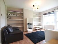 BACK ON THE MARKET*A large 3 bedroom flat close to Finsbury Park and Highbury and Islington tubes