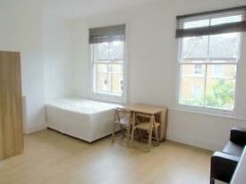 Studio flat in Iverson Road, West Hampstead, NW6