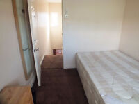 N0 agency fee - Lovely Double Room Available Now in Limehouse - Great Location - Great Price