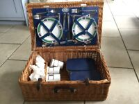 John Lewis Croft Collection 4 Person Luxury Picnic Hamper