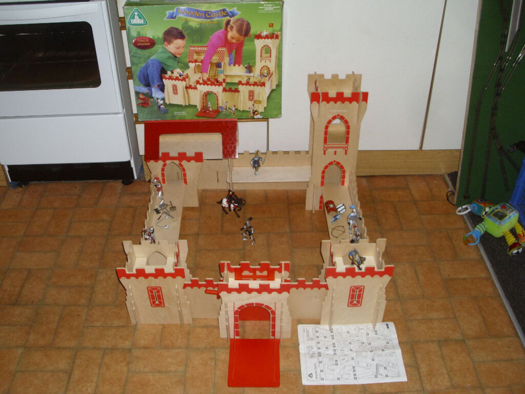 EARLY LEARNING CENTRE LARGE WOODEN CASTLE (BOXED) | in Bournemouth ...