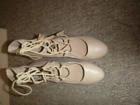 TAN HEEL SHOES SIZE 5 OR EU 38 ONLY WORN ONCE