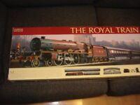 HORNBY ROYAL TRAIN SET R1045