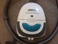 Zanussi Vacuum Cleaner 1800w lightweight