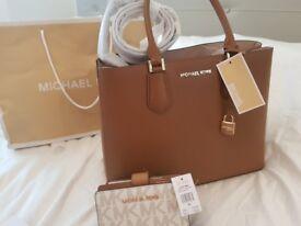 MICHAEL KORS bag with walet choklet colour new