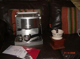 DeLonghi EC710 Espresso coffee machine with antique burr bean grinder, fully working