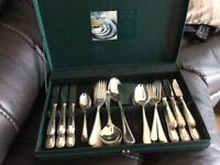 Oliver and Bowen 44 piece cutlery service
