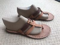 Ugg leather sandals comfortable flats barely worn