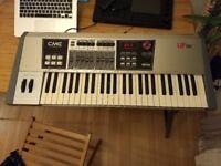MIDI Keyboard Controller. CME UF50. 49 keys. Wireless MIDI.