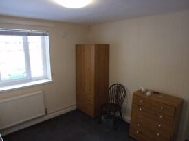 a room to let in east london