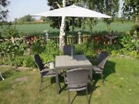 GARDEN / PATIO SET - MODERN - TABLE AND 4 CHAIRS + PARASOL AND BASE --