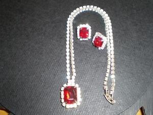 RHINESTONE EARRINGS AND NECKLACE