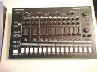 Roland AIRA TR-8 Rhythm Performer - 606,707,808,909 - Pristine Condition