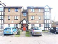 Spacious 2 Bedroom Flat To Rent in Somerset Gardens, Tottenham, N17