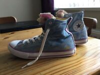 SIZE 4 CONVERSE